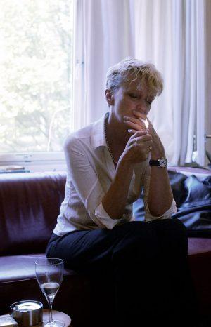 Elma Drayer, Journalist & Writer / L.J. Veen Publishers (Amsterdam)